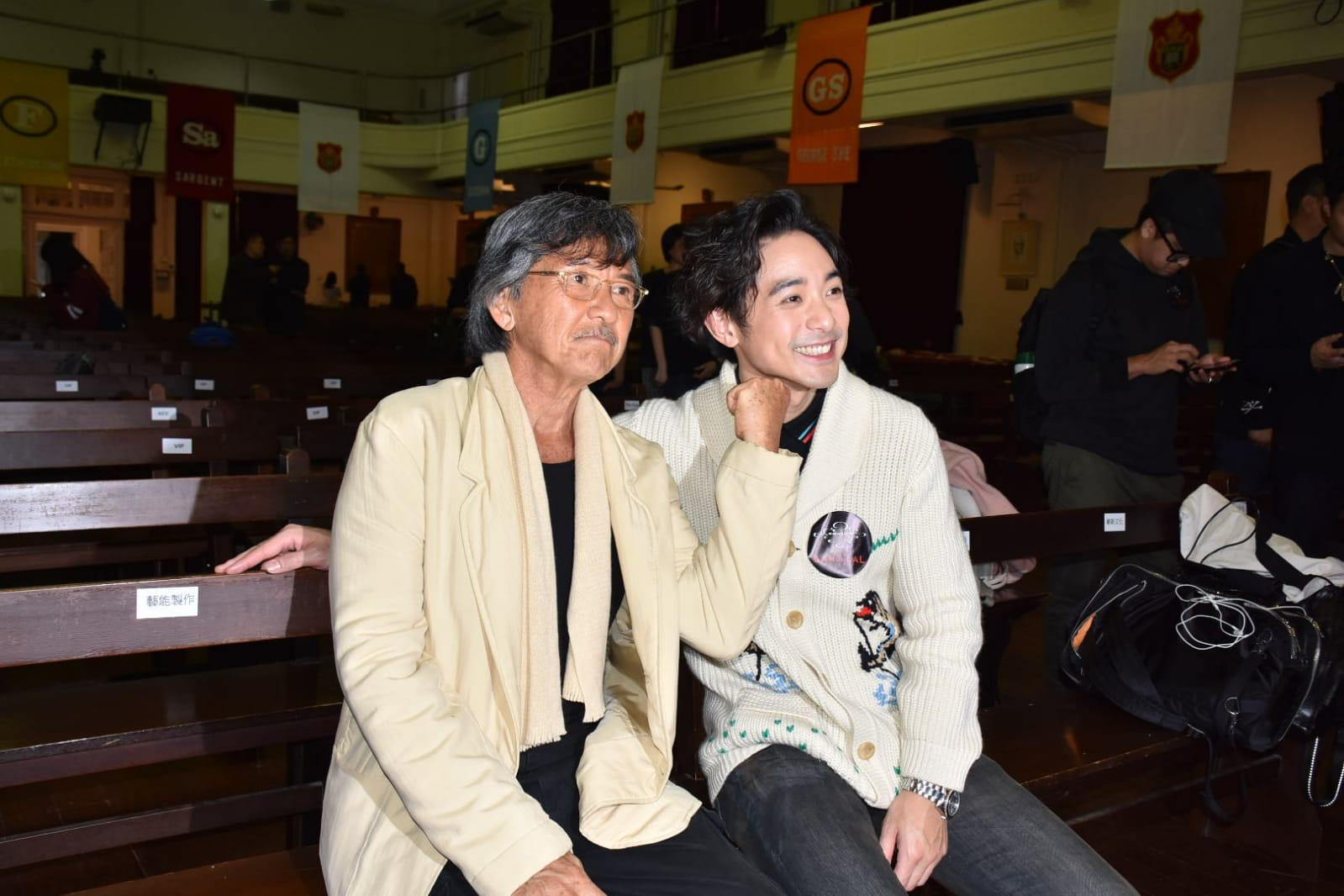 林德信(右)將為父親的個唱演出。