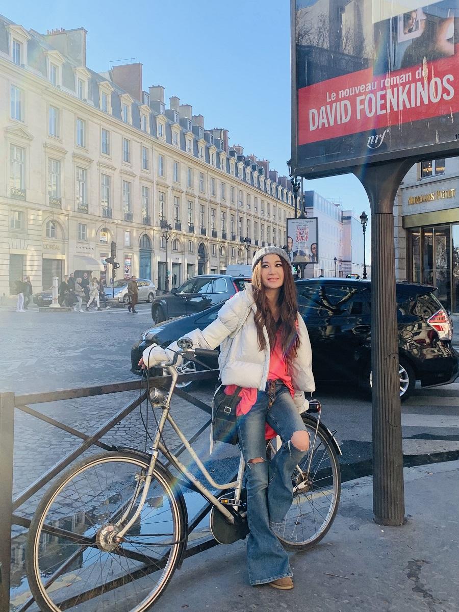 溫碧霞出席巴黎時裝周。大會提供