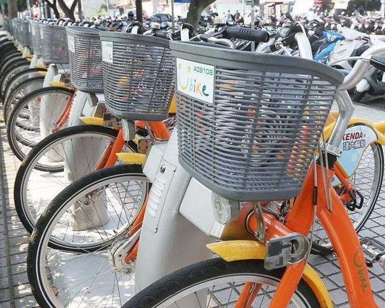 有传台湾国防机密被遗漏在共享单车车篮上。示意图