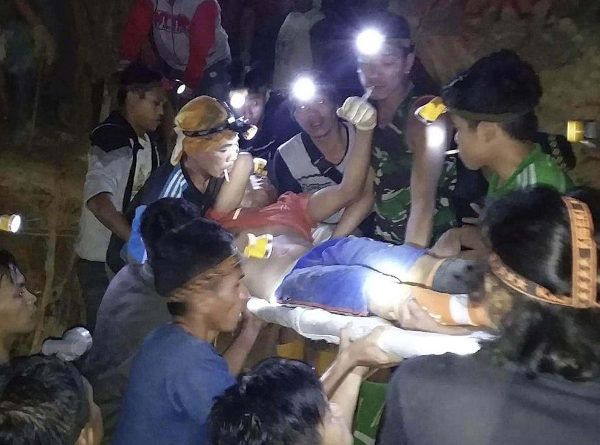 至今证实有3人死亡,最少15人受伤。