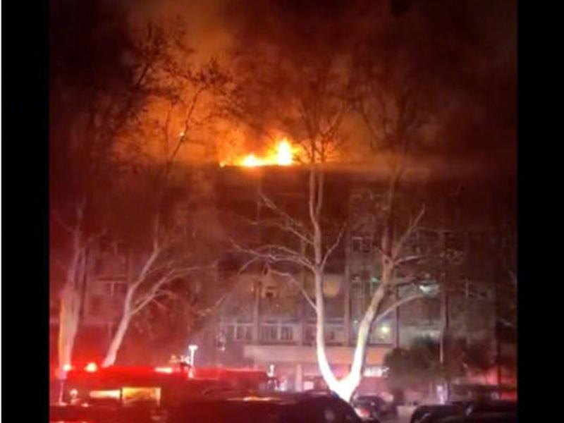 南京工业大学凌晨发生爆炸起火。