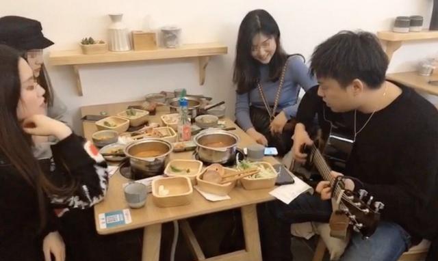 邂逅餐厅已撮合了多对陌生男女。