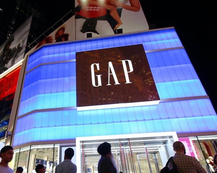 Gap宣布关闭全球230间分店。GapInc facebook