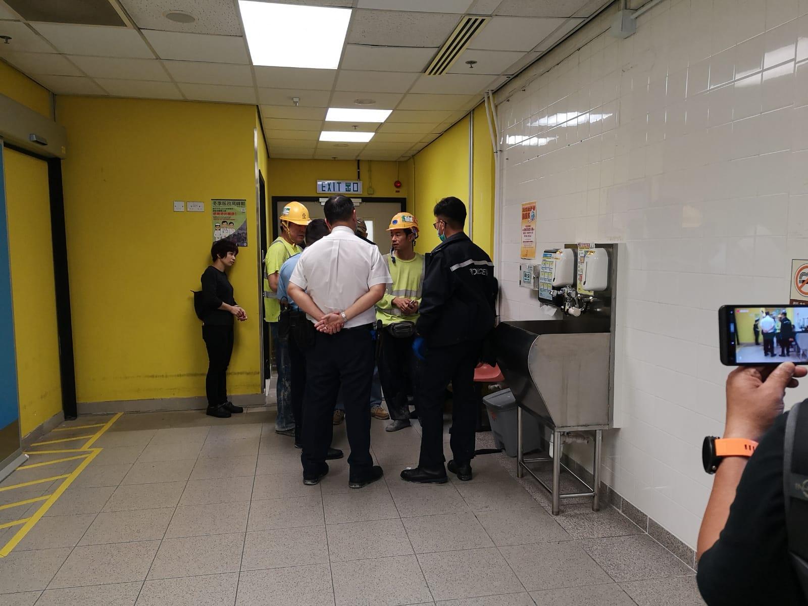 警員正了解事件經過。梁國峰攝