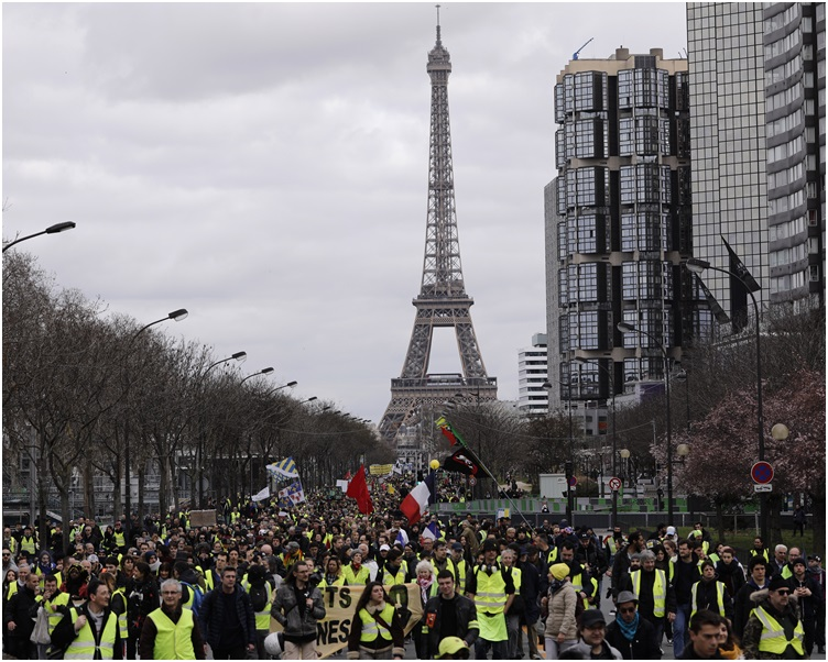 示威人数持续下降。