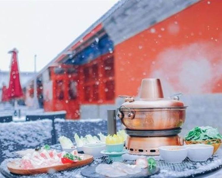 慈禧太后最爱的「万寿菊花锅」是故宫餐厅的特色招牌。网图