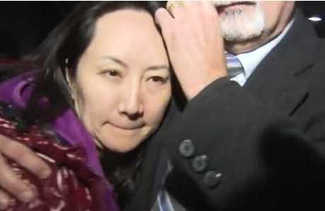 孟晚舟律师团队1日已向卑诗省最高法院提出民事求偿诉讼,控告加拿大政府在温哥华机场逮捕孟晚舟时对她不法拘押。网上图片