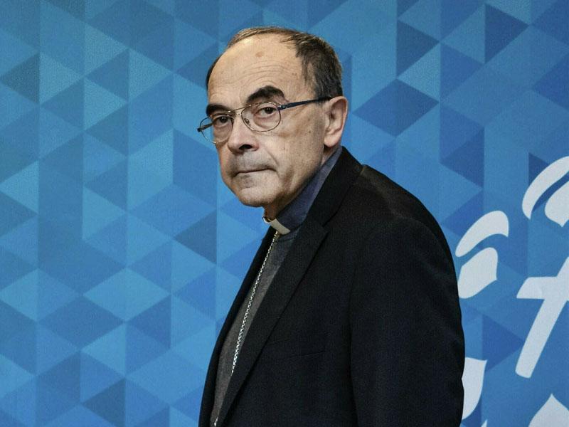 法國里昂教區樞機主教巴爾巴蘭包庇神職人員性侵男童罪成,判監禁6個月,暫緩執行。AP