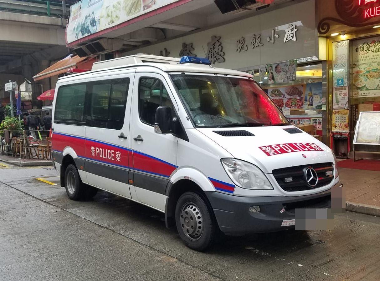 警方在場調查事件。