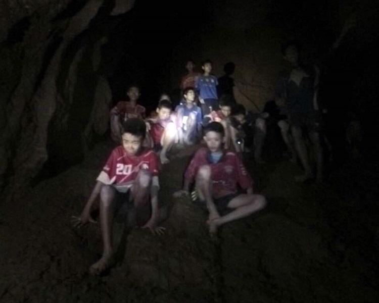 泰國「野豬」足球隊去年在洞穴探險受困。AP