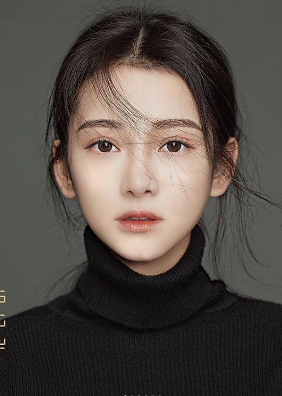 激似香港女星Angelababy。IG