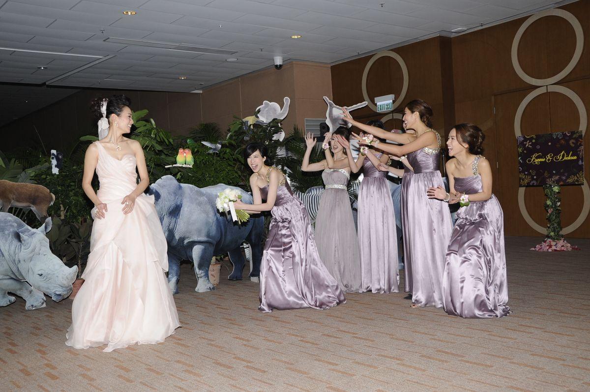 呂慧儀結婚時,傅嘉莉(右)做姊妹。(資料圖片)