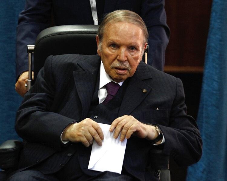 总统布特弗利卡(Abdelaziz Bouteflika)周一宣布放弃角逐连任。