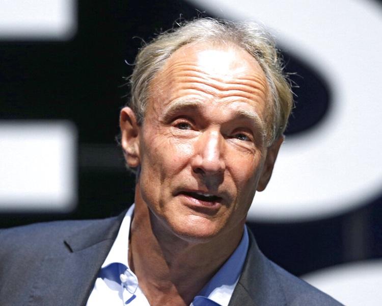 万维网发明者伯纳斯李(Tim Berners-Lee)。