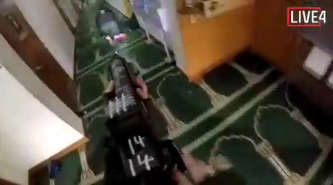 疑似槍手直播攻擊清真寺畫面。(網圖)