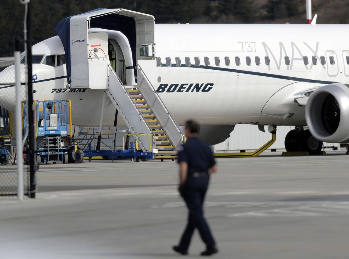 波音公司宣布暂停交付737 MAX客机。