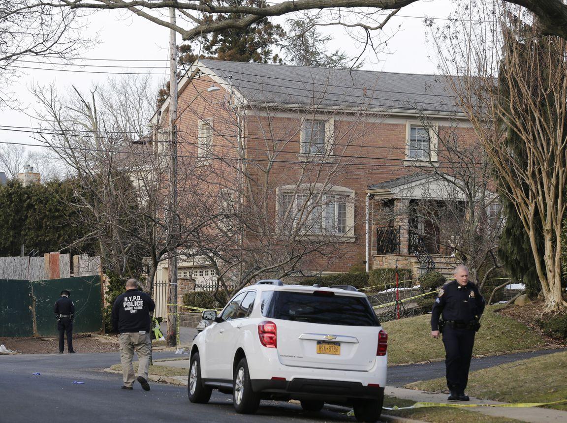 卡里在紐約寓所外被人開槍擊斃。AP