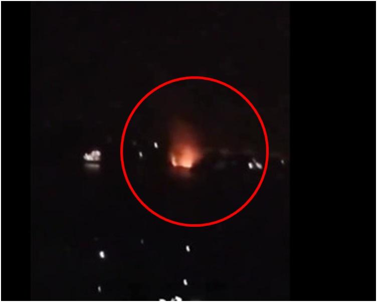 该船昨晚发生爆燃。网图