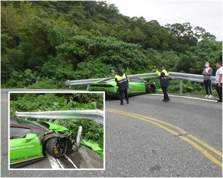 林宝坚尼的车头损毁严重。