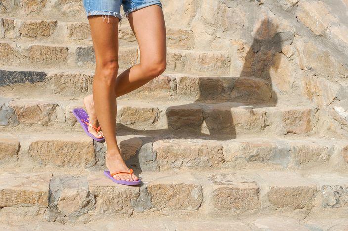 四月開始,穿著夾腳拖鞋的遊客,將可能被罰款50至2500歐元。