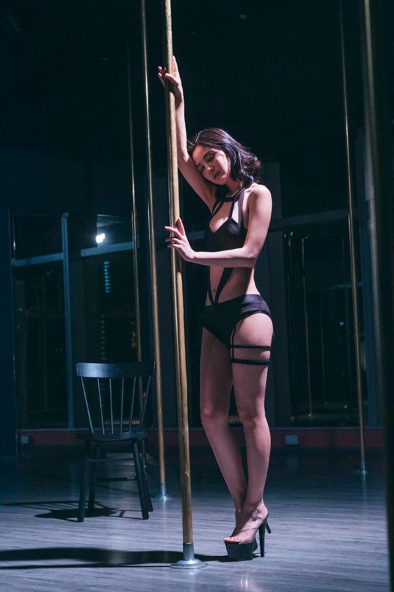 阿Sa在戲中有性感演出,自言是毫不保留地付出。