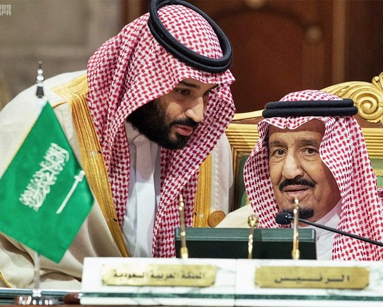 沙特皇储小萨勒曼(左)、国王萨勒曼(右)。资料图片