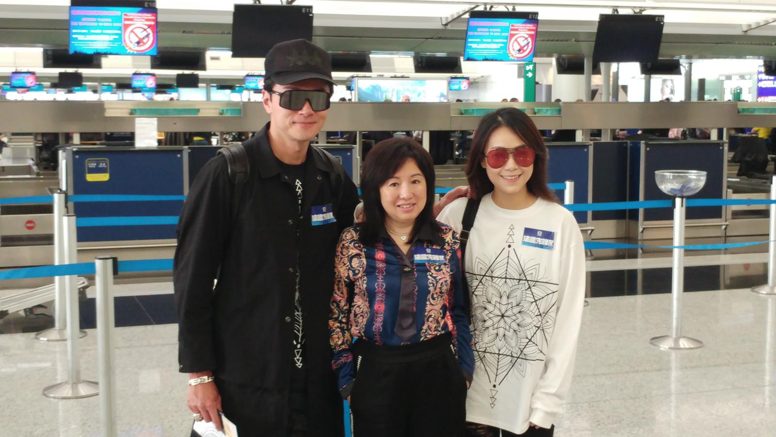 黃浩然(左)、黃心穎(右)、監製梅小青(中)