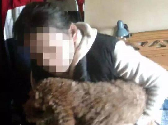 養了9年的貴賓犬把女主人「出賣」了!(網圖)