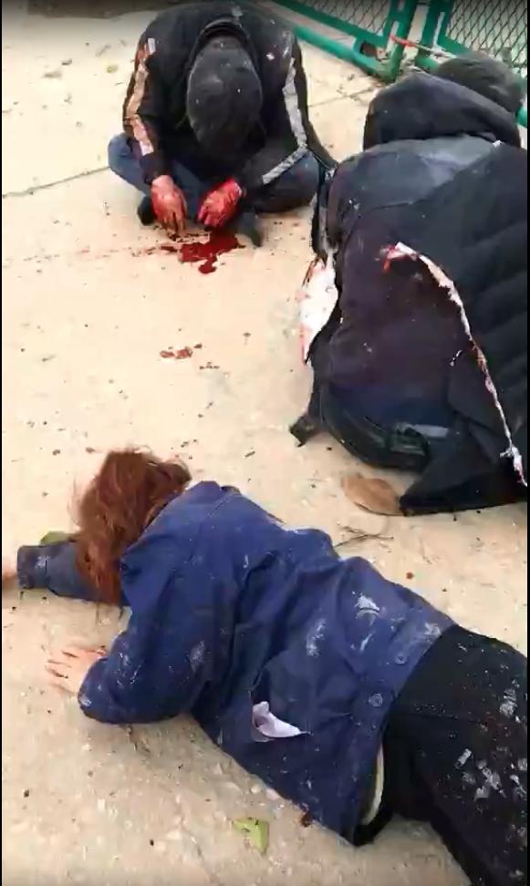 有傷者倒臥地上。網圖