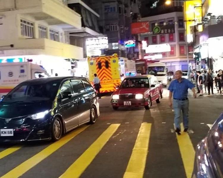 尖沙嘴加拿分道封路。香港突发事故报料区Gary Ip