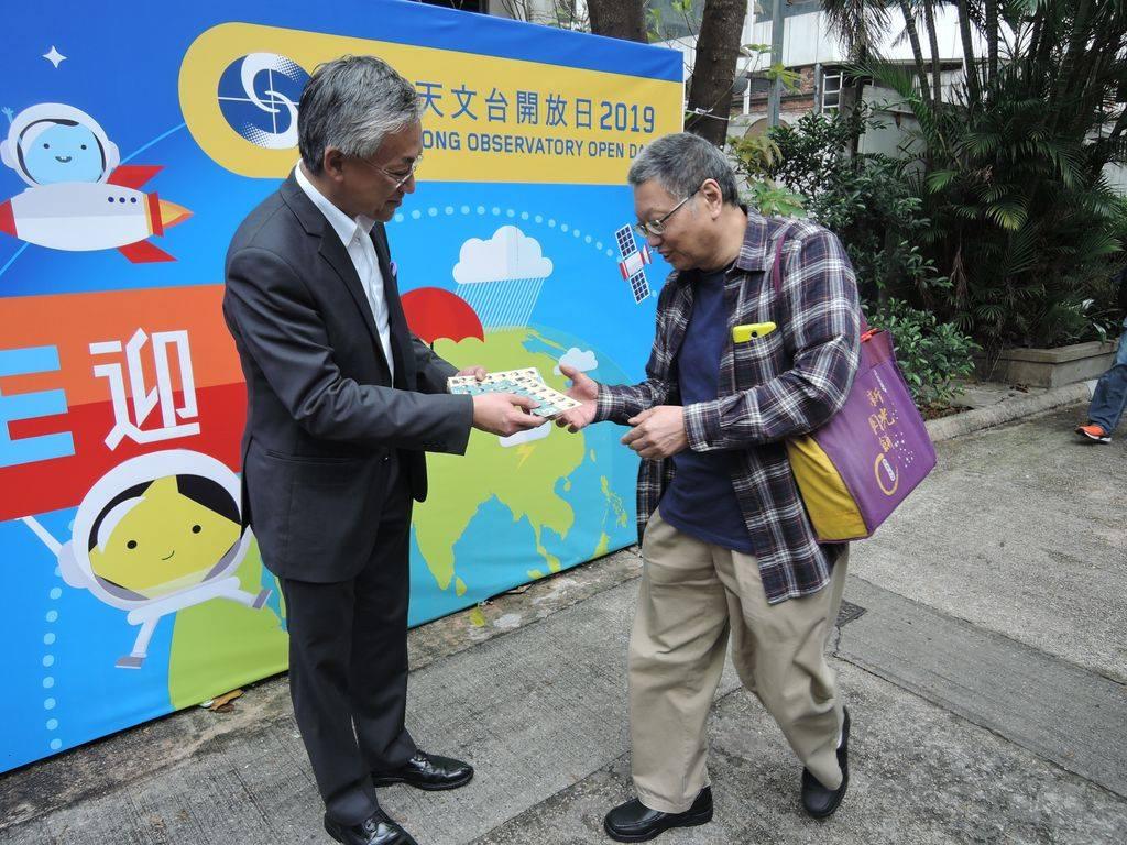 岑智明親自迎接參觀市民。網民Tsz Cheuk Chow圖片