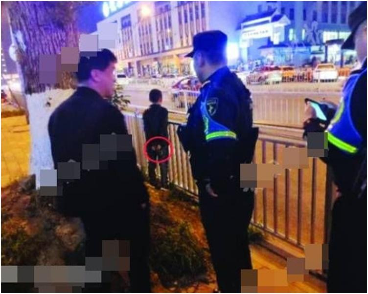 民警赶到场了解情况。网图