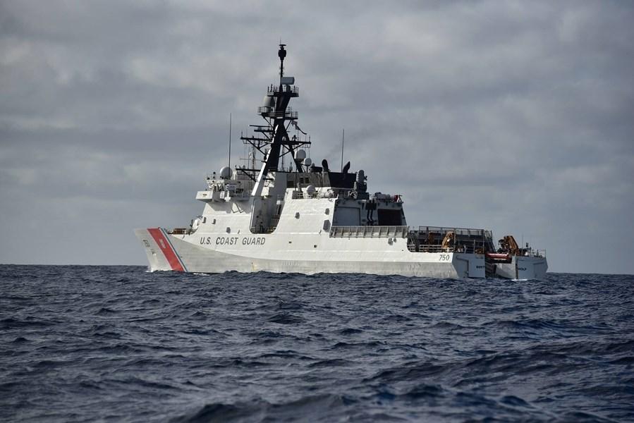 海岸防衞隊的巴索夫號。