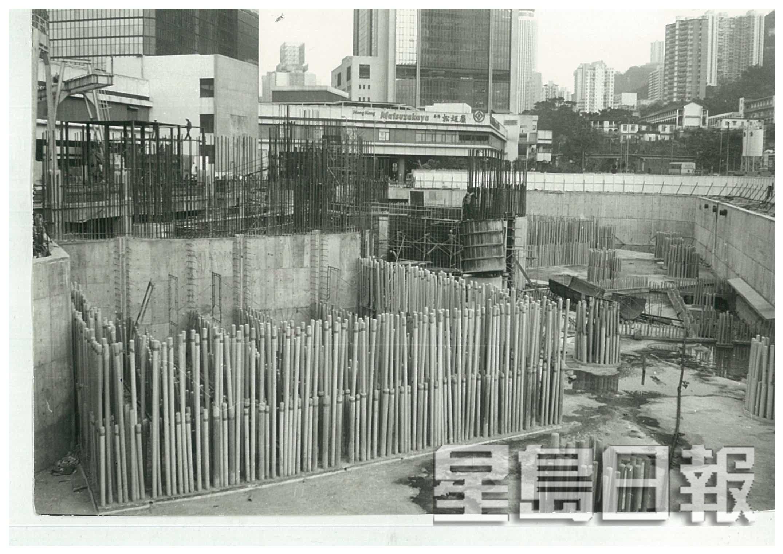 80年代后期,金钟区指标甲厦力宝中心开始动工。