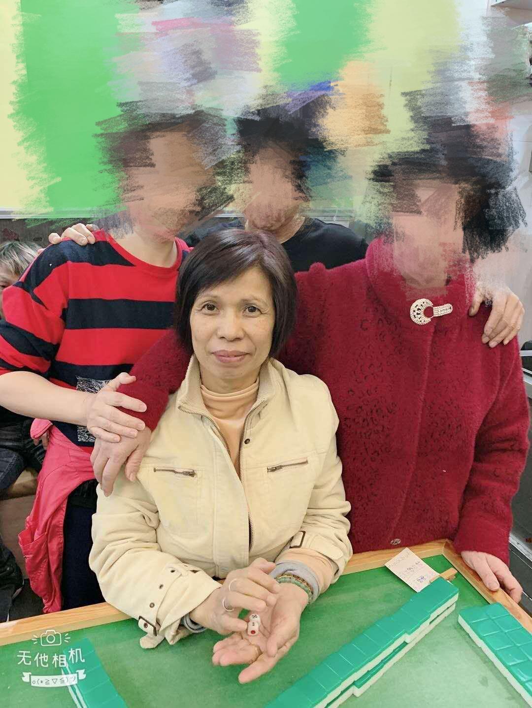郭玉治是稱職的家庭主婦,亦會到餐廳打工幫補家計,10年前才退休。家人提供