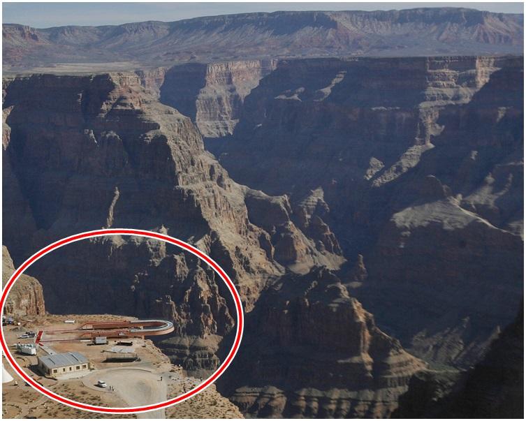 老鹰崖的马蹄型空中走廊。AP资料图片