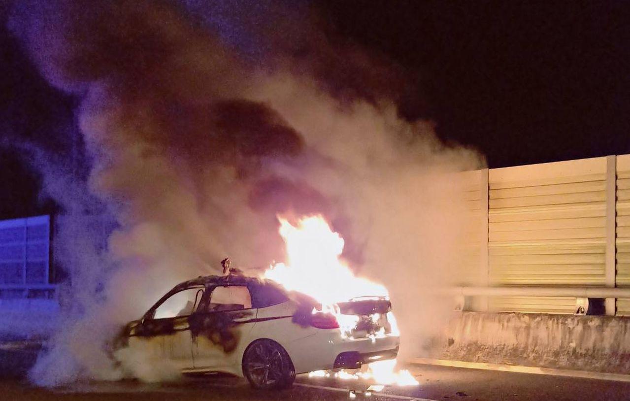 肇事私家車女乘客及時逃出車廂,卻目睹丈夫慘被活活燒死。  網上圖片