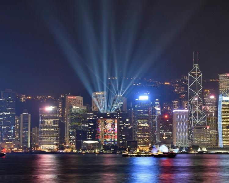 「幻彩詠香江」燈光音樂匯演明晚如常上演。