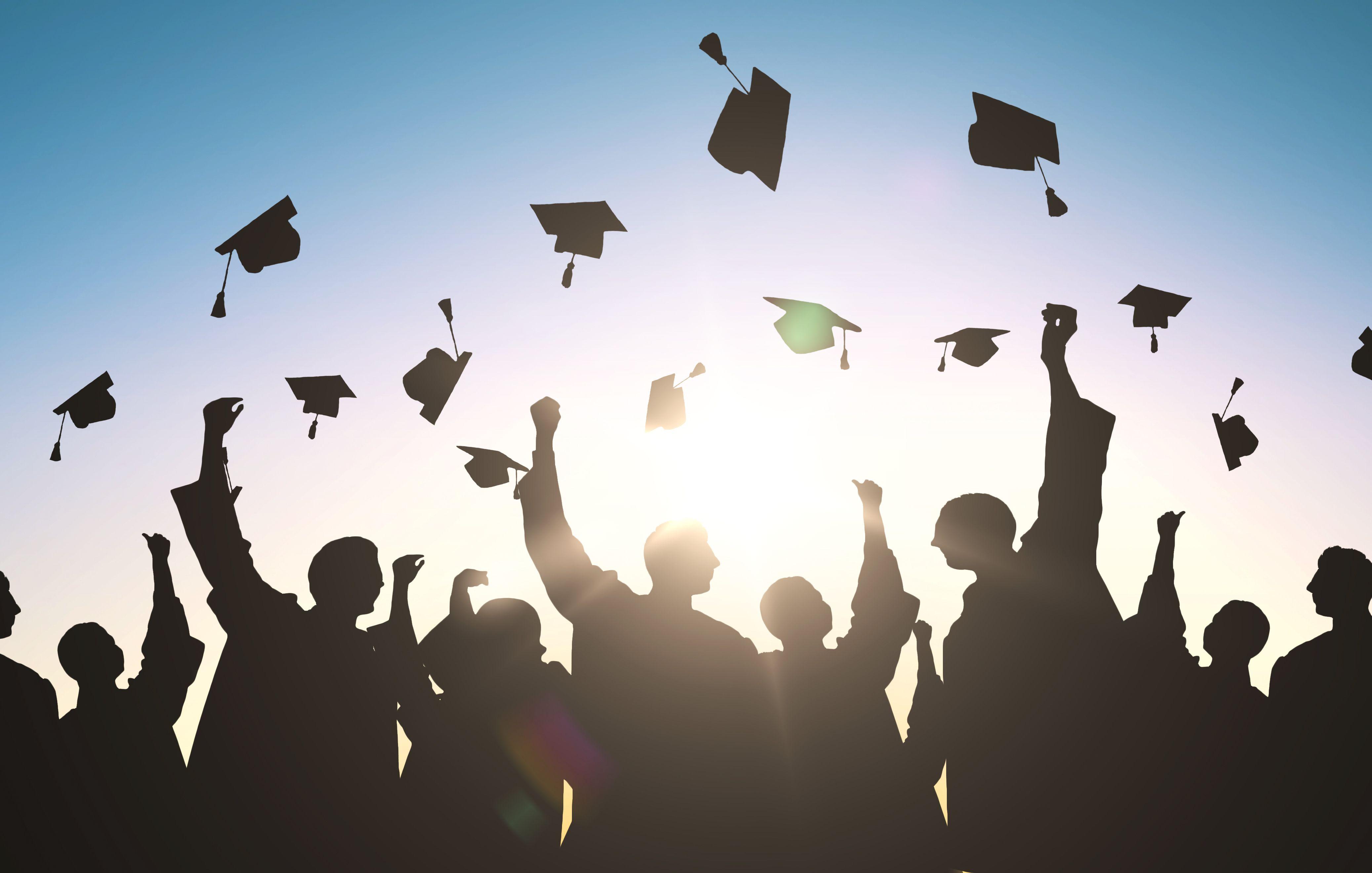 許多學校為了取得亮眼的畢業生就業率,竟強迫學生在畢業前就得提交就業證明。示意圖