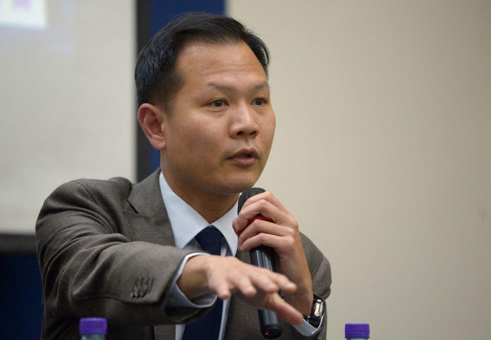 郭榮鏗透露,美國憂修例後,在港國民會被扣留,送往內地。 資料圖片