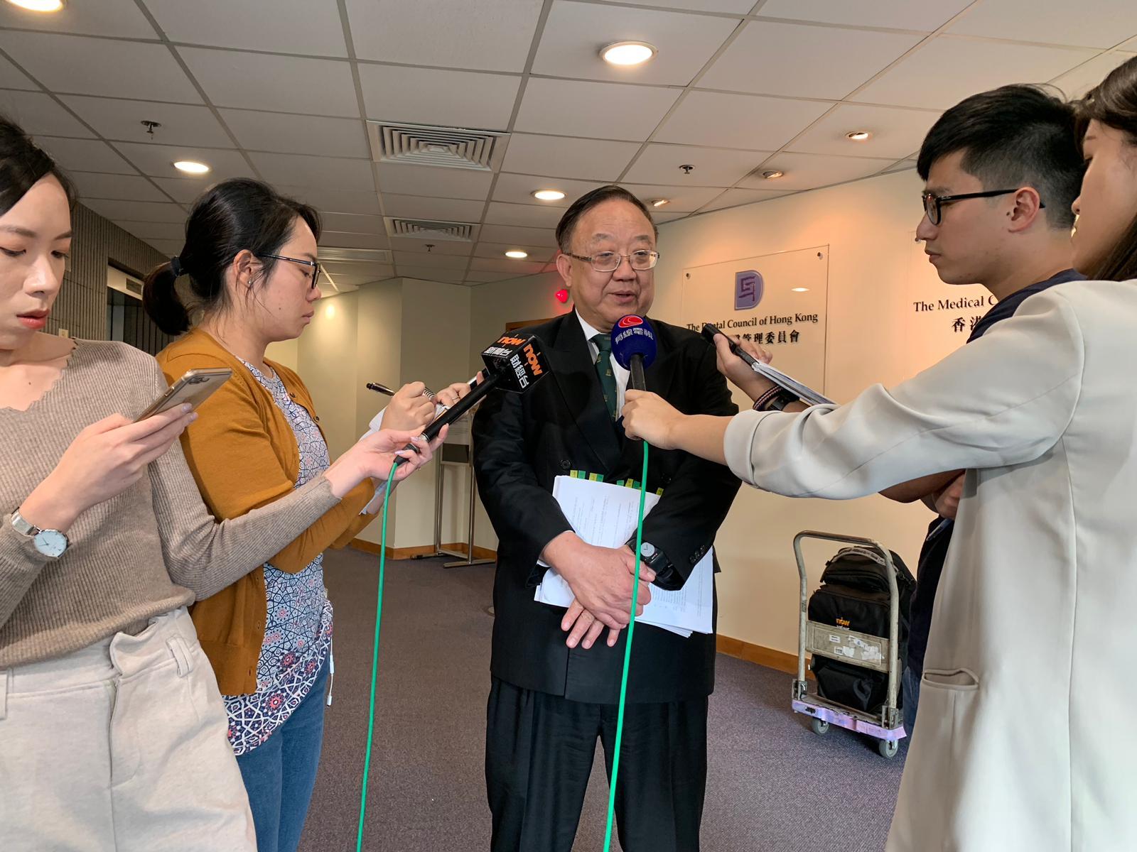 主席劉允怡形容有人口口聲聲說不夠醫生,到投票就是另一回事。
