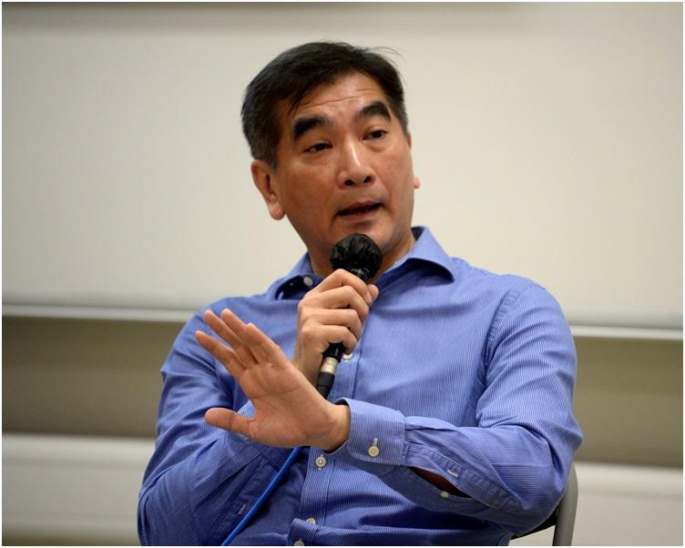 鍾國斌指仍未決定投票取向。