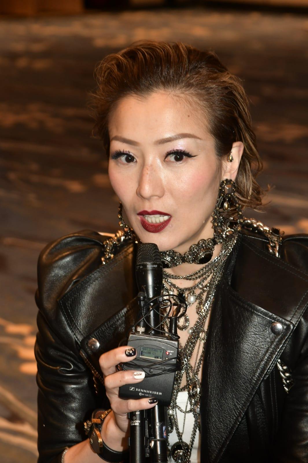Sammi表示為個唱戒凍飲養聲。
