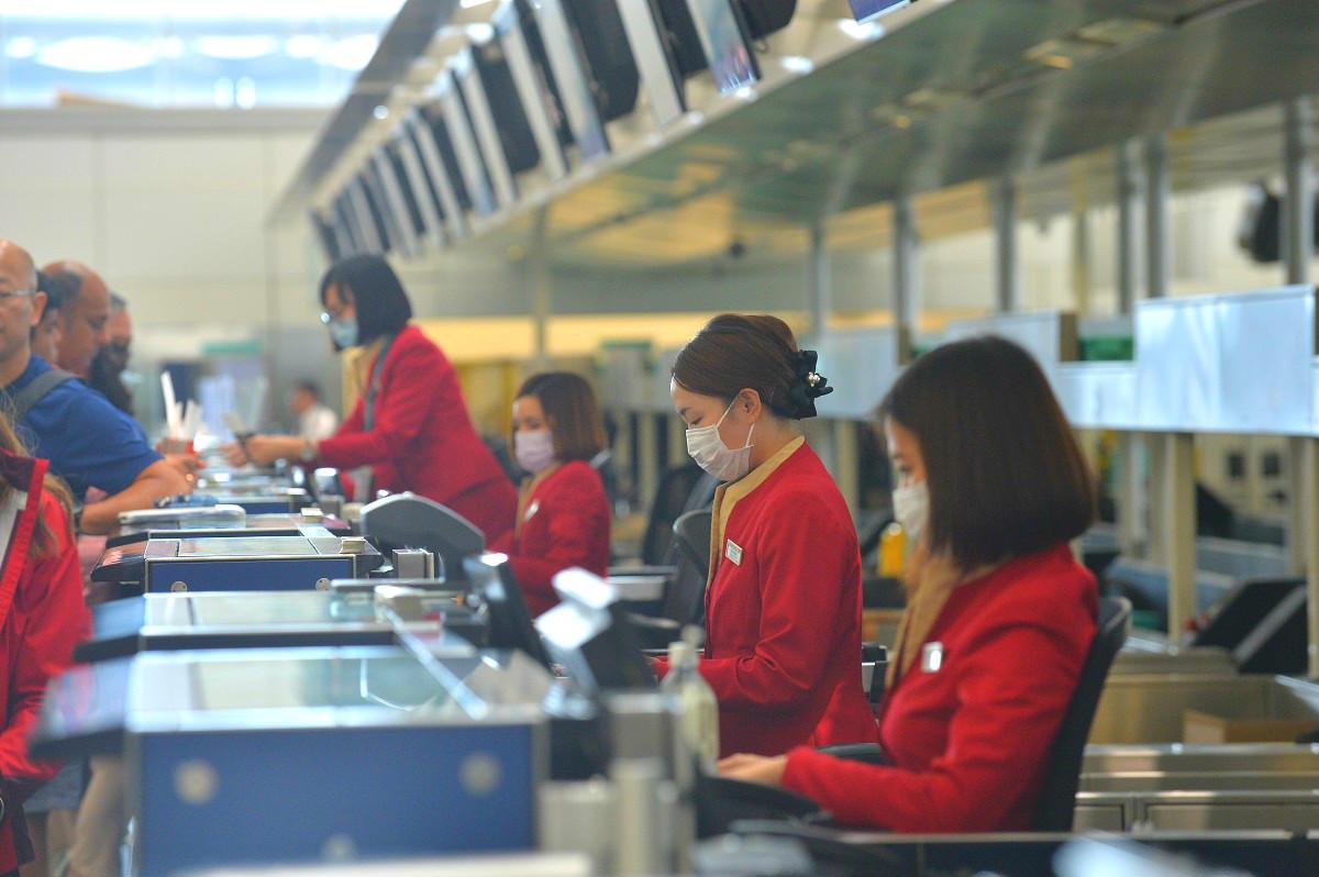 多名機場人員先後染上麻疹。資料圖片