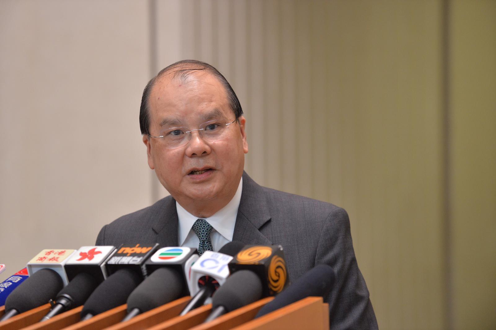 張建宗表示,發展局與律政司正仔細研究判詞,再決定會否提出上訴。