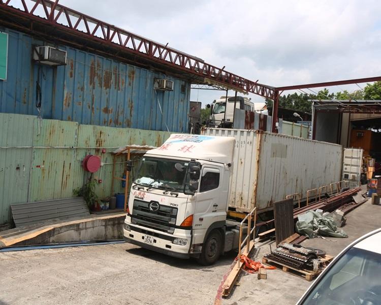 現場是元朗公庵路龍田村一個貨倉。