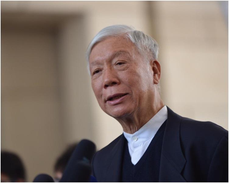 朱耀明獲批准在被告席內讀出親自撰寫的求情信。