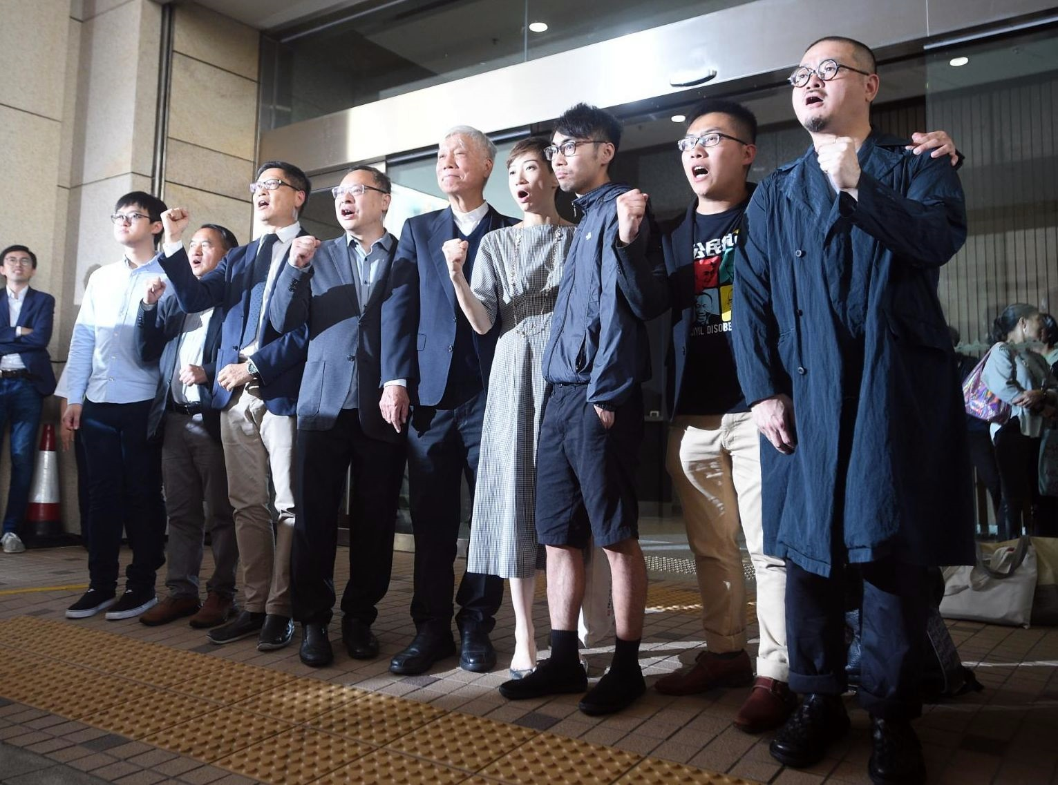 雨傘運動發起人及參與者9名被告今早被判罪成。