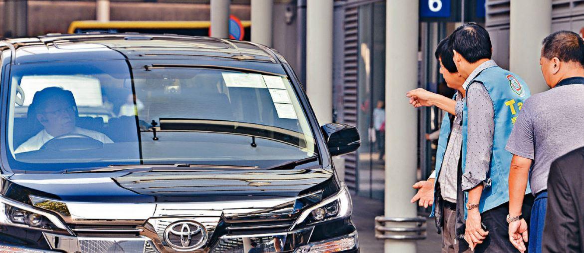 內地月初公布中港車牌發牌新措施,業界認為做法等同將車牌炒賣及白牌車市場連根拔起。