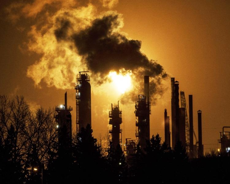 中國停購加拿大石油。網圖